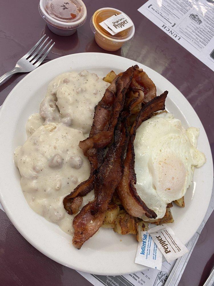 Waneda's Diner: 118 N Reed Ave, Malvern, OH