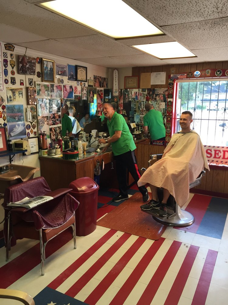 Reds Barber Style Shop 10 Photos Barbers 1708 Pass Rd