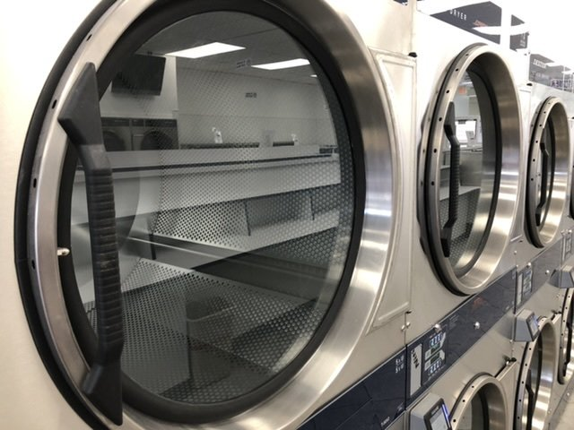Spinning Suds Laundromat: 6340 Lincoln Ave, Cypress, CA