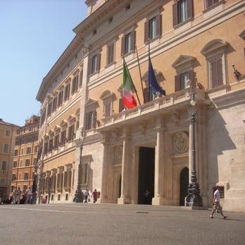 Palazzo montecitorio monumenti luoghi storici e d for Montecitorio oggi