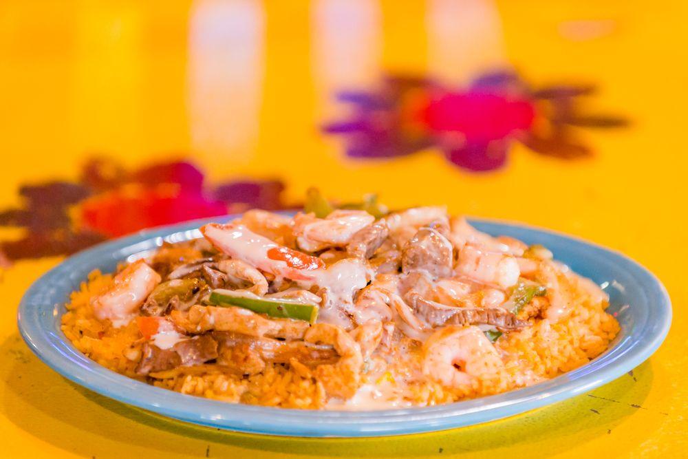 Dos Rios Mexican Grill: 113 Stewarts Lndg, Eminence, MO