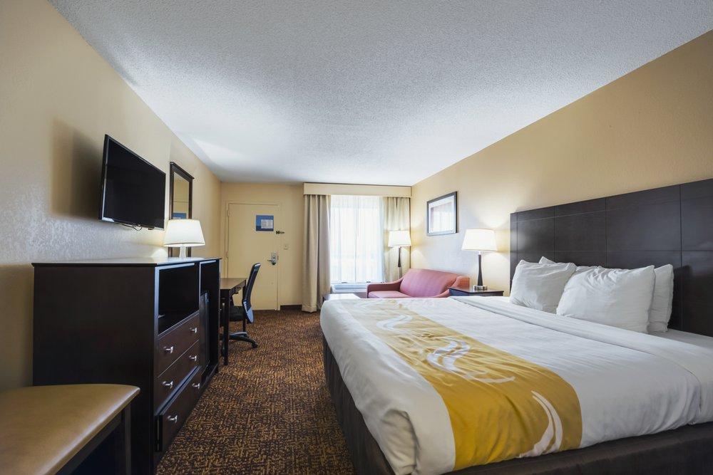 Quality Inn: 817 Radford Blvd, Dillon, SC
