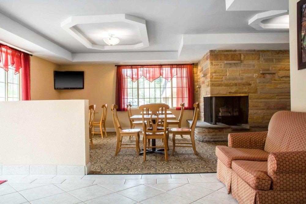 Econo Lodge: 515 South Ave, Bradford, PA