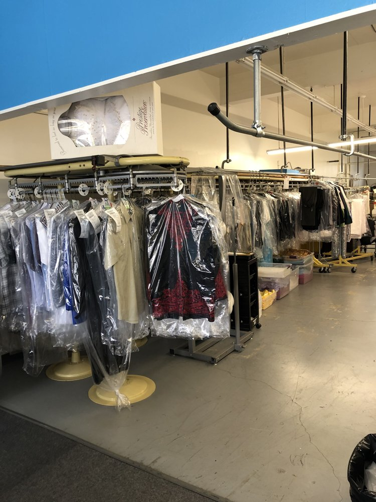 Sky  Fine  Dry  Cleaners: 21833 Marine View Dr S, Des Moines, WA