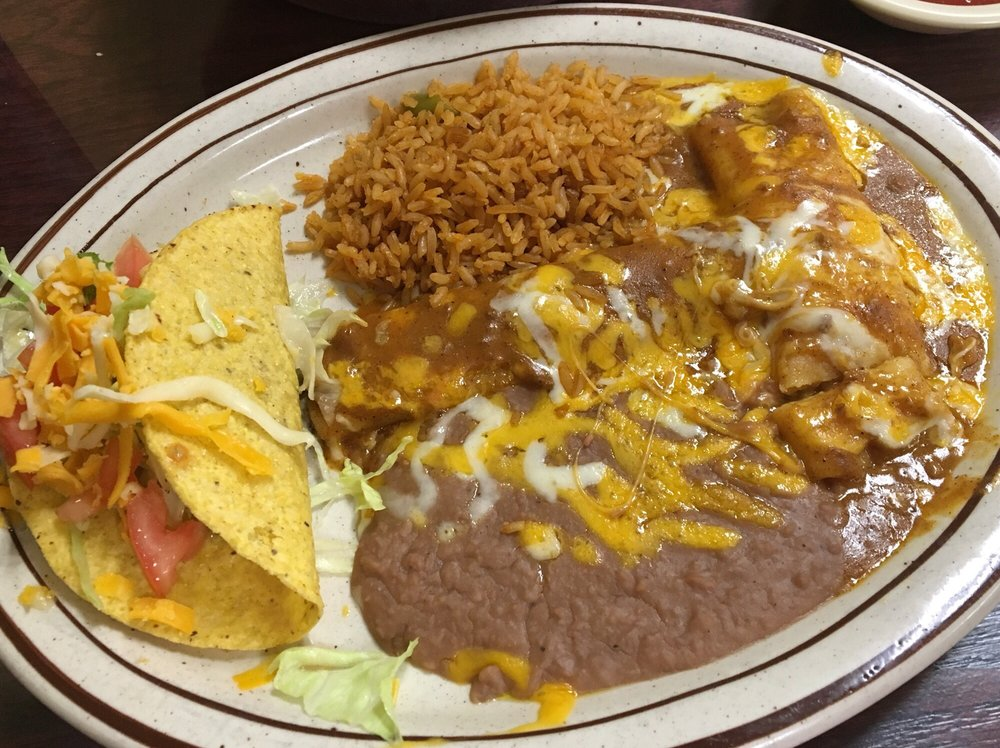Paisano Restaurant: 1406 S Chadbourne St, San Angelo, TX