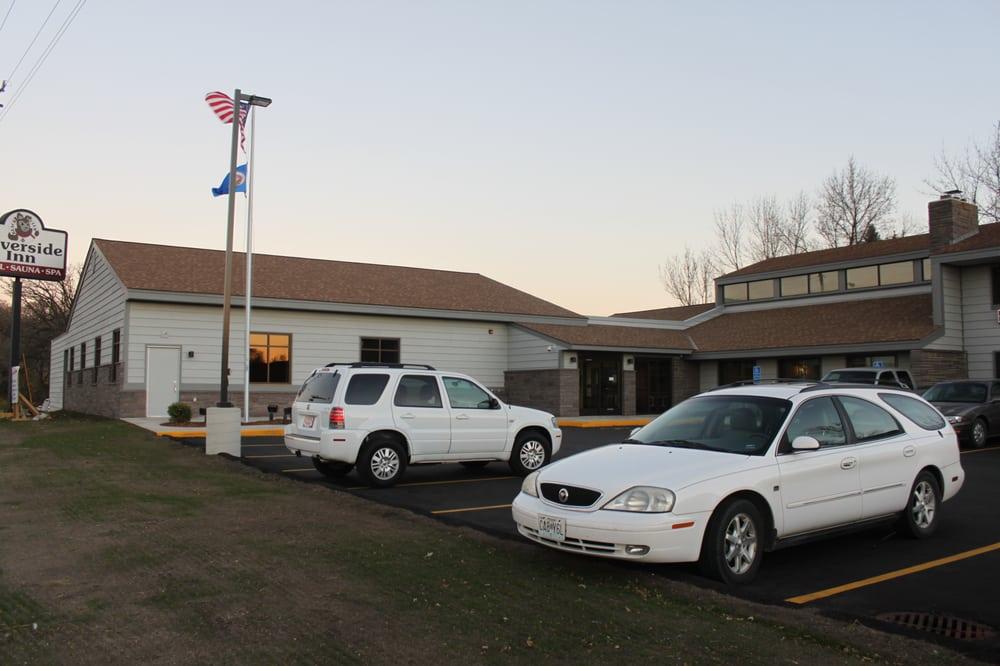 Riverside Inn: 118 3rd St S, Cold Spring, MN