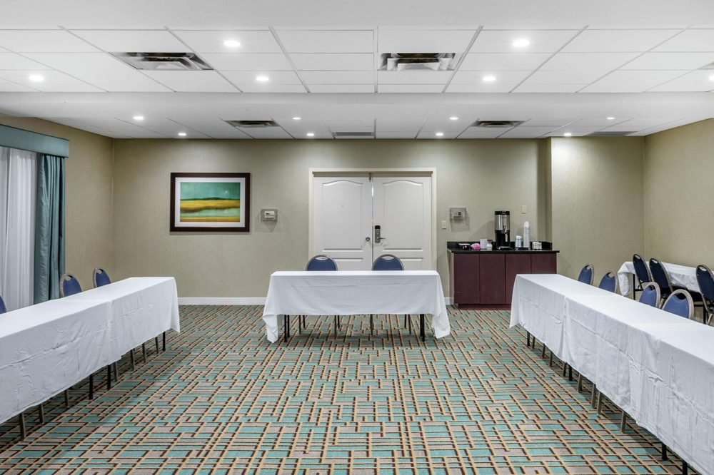 Hampton Inn Adel: 1500 W 4th St, Adel, GA