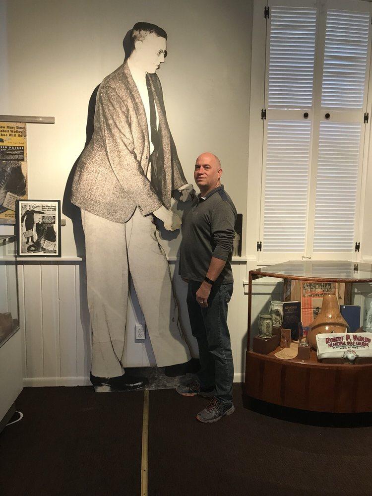 Alton Museum of History & Art: 2803 College Ave, Alton, IL