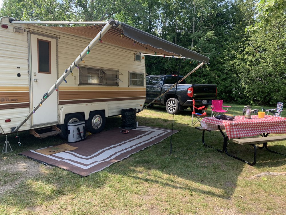 Baileys Grove Campground: 2552 County Rd F, Baileys Harbor, WI