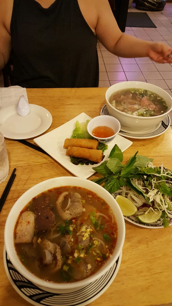Cafe Hoang Chicago Cermak