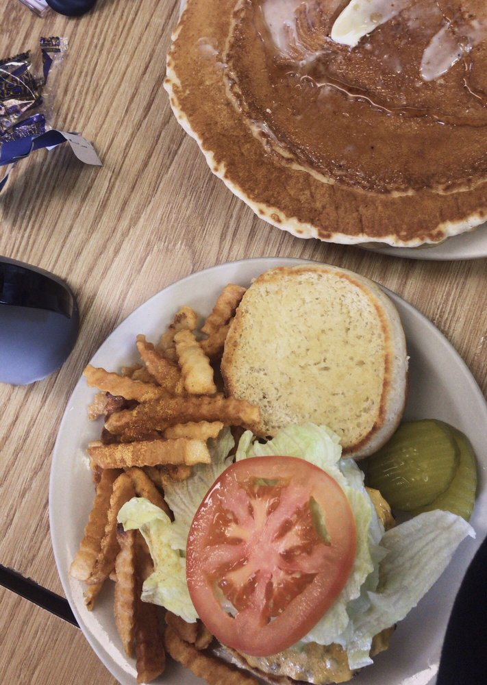Blue Hills Cafe: 706 N Main St, Bruce, WI