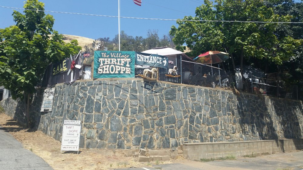 Village Thrift Shoppe: 35300 Highway 41, Coarsegold, CA