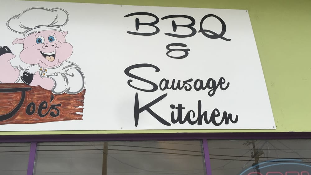 Joe's BBQ & Sausage Kitchen: 402 W Main St, Algood, TN