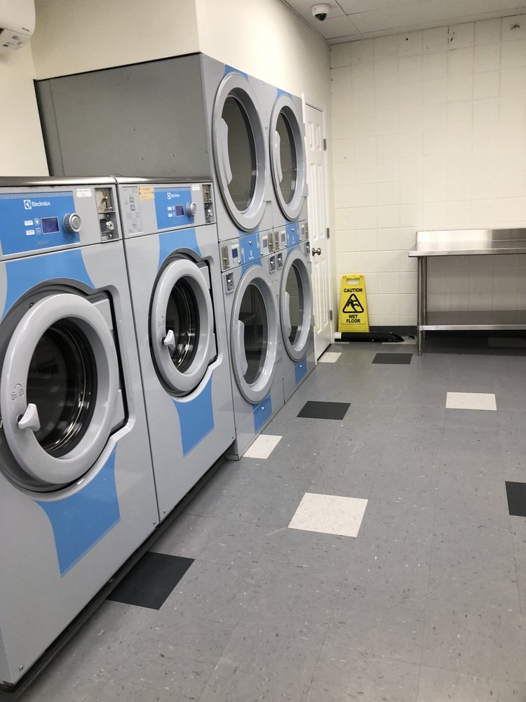 Creswell Coin Op Laundry: 258 E Oregon Ave, Creswell, OR