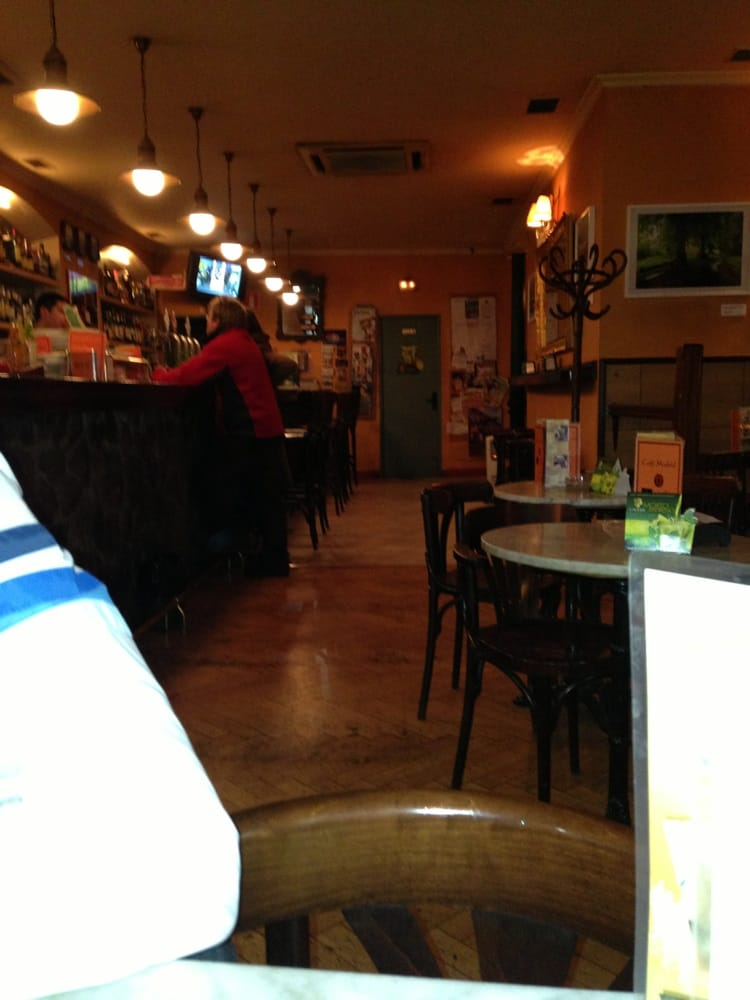 Caf madrid bars calle de bel n 7 chueca madrid Calle belen madrid
