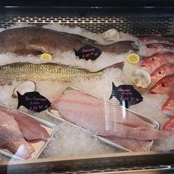 Blue horizon wholesale seafood retail market 25 photos for Fresh fish market houston