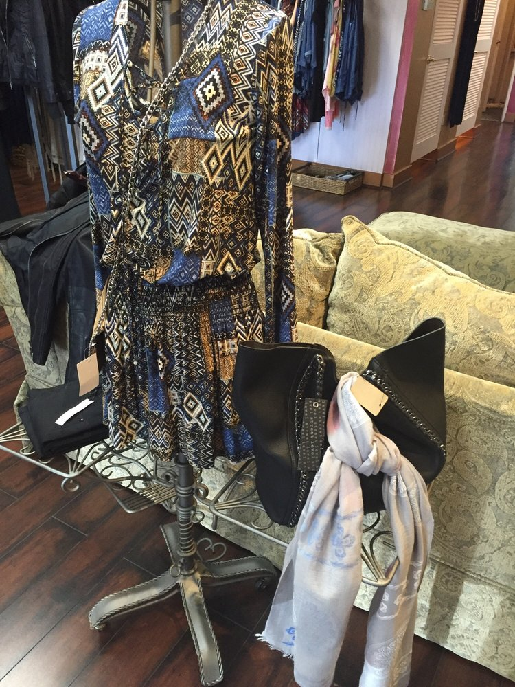 Blush Boutique - 13 Reviews - Accessories - 23671 Calabasas Rd ...