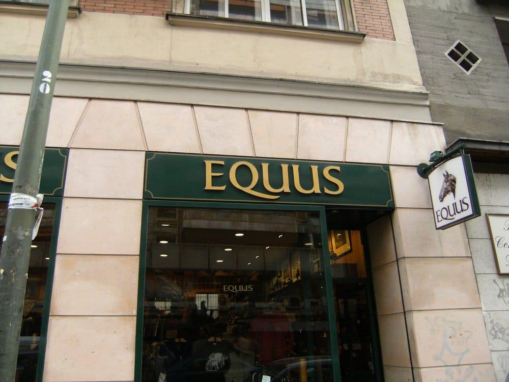 Equus accesorios calle hilari n eslava 32 chamber for Calle hilarion eslava