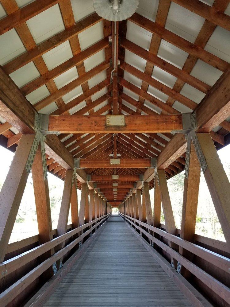 Riverwalk Covered Bridge: Behind Main St, Littleton, NH