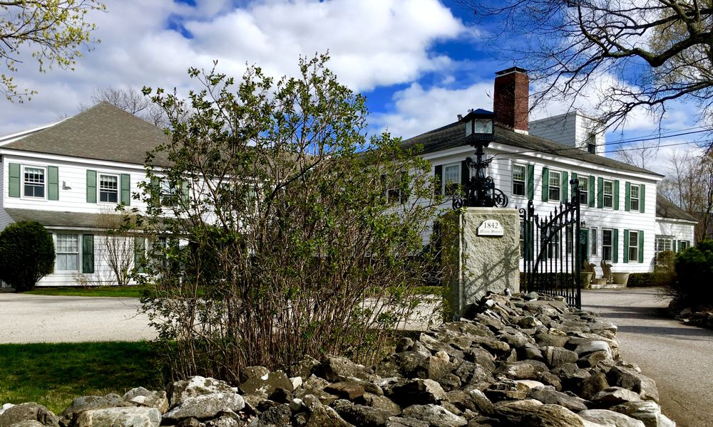 The Inn at Ormsby Hill: 1842 Main St, Manchester Center, VT