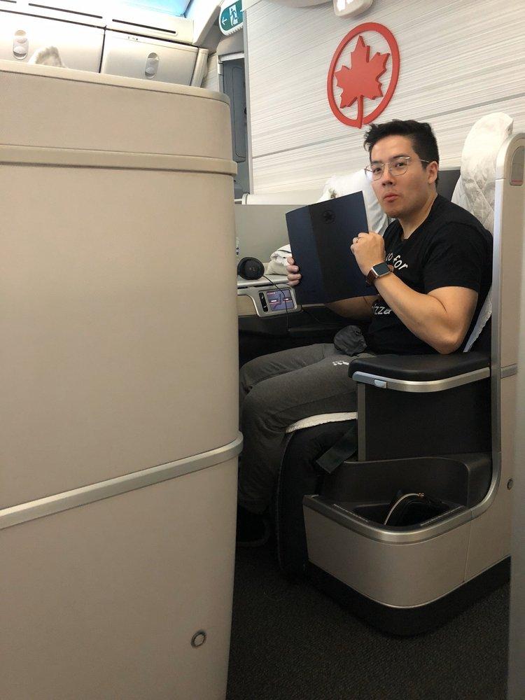 Air Canada: Dulles, VA