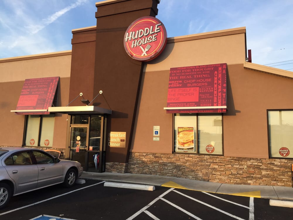 Huddle House: 2659 Front Street, Richlands, VA