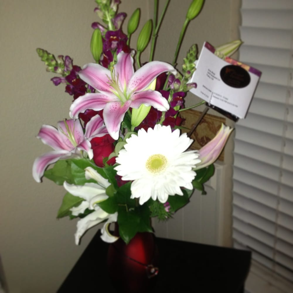 Beautiful Flowers For My Wife. I Have This Shop On Speed
