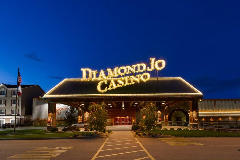 Diamond Jo Worth Casino: 777 Diamond Jo Ln, Northwood, IA