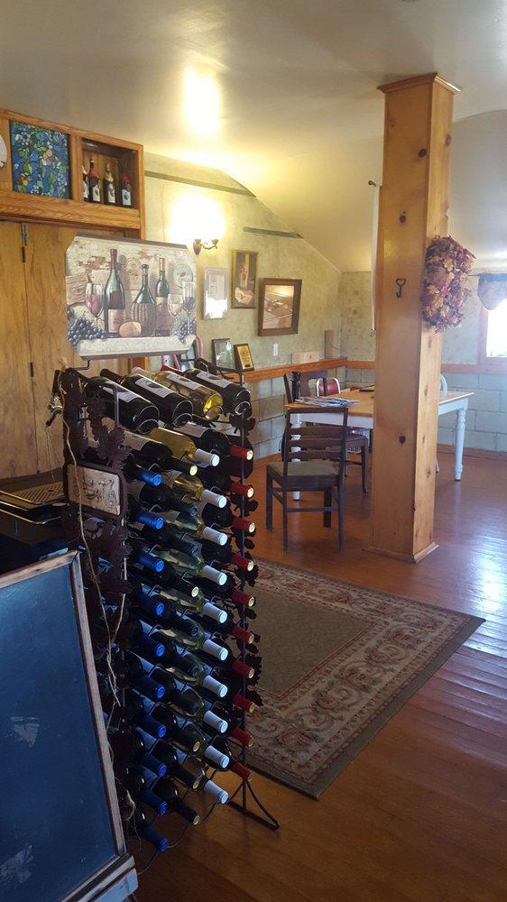 Wilson Wines: 10137 S Indian Trl, Modoc, IN