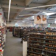 more photos a85e2 43dfc LLOYD Factory Outlet - 39 Fotos & 21 Beiträge - Schuhe ...