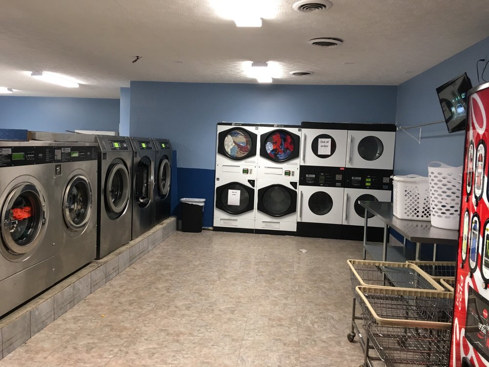 Al's Soap & Suds Laundry & Tanning: 3104 Western Ave, Connersville, IN