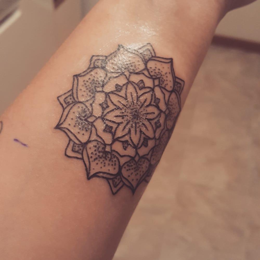 Fluid Ink Tattoos & Piercing - 15 Reviews - Piercing - 597 Snelling ...