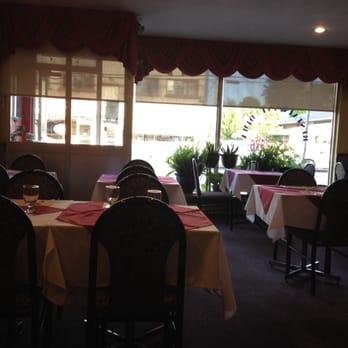Restaurant dima cuisine orientale 1575 dudemaine rue for Salle a manger yelp