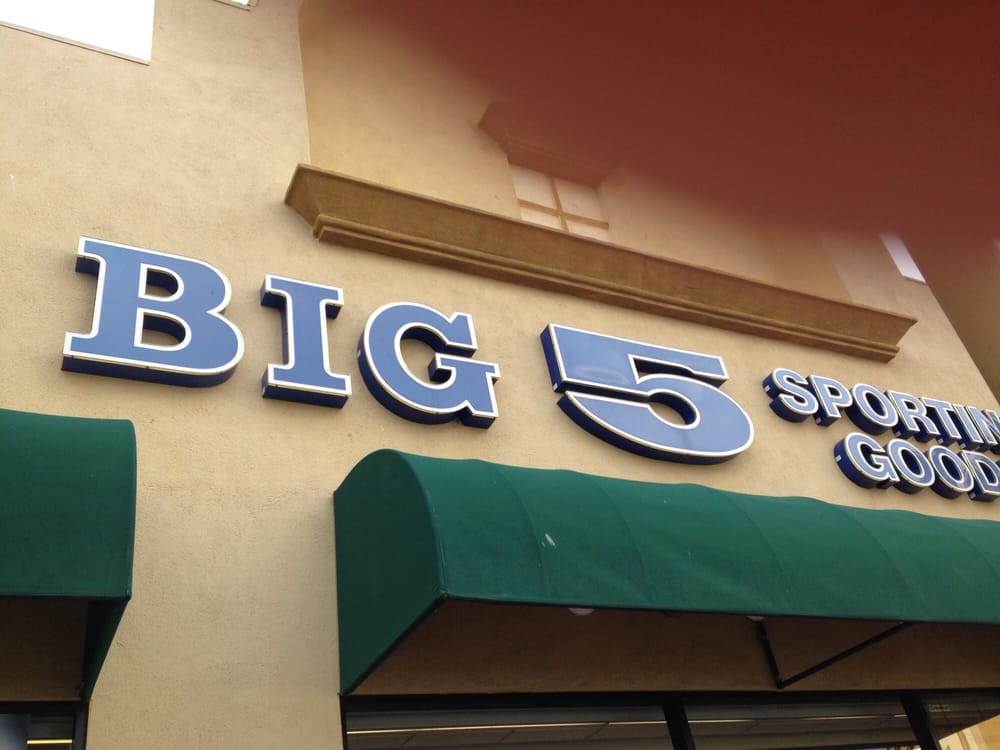 Big 5 Sporting Goods: 2361 E Vineyard Ave, Oxnard, CA