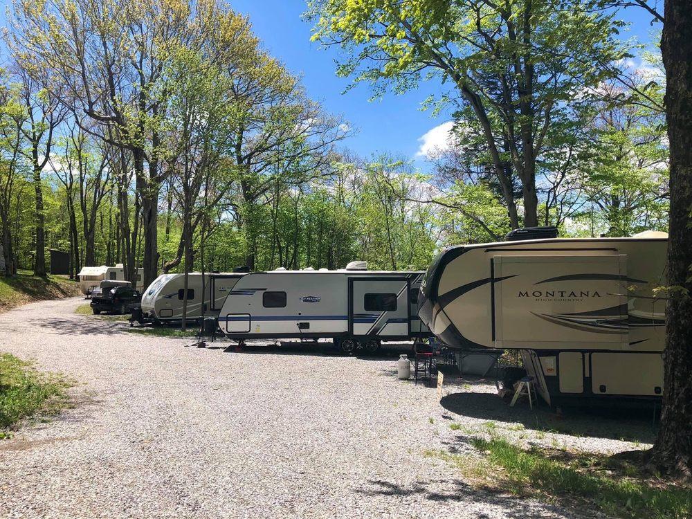 Back Ridge Shadows Campground: 5851 Sawmill Run Rd, Circleville, WV