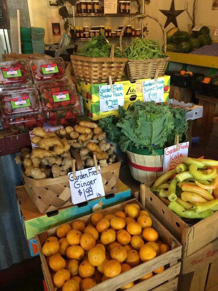 Marketplace Produce: 11403 Seminole Blvd, Seminole, FL