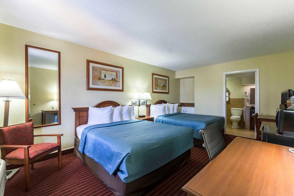Econo Lodge: 221 S US Hwy 77 Bypass, Kingsville, TX