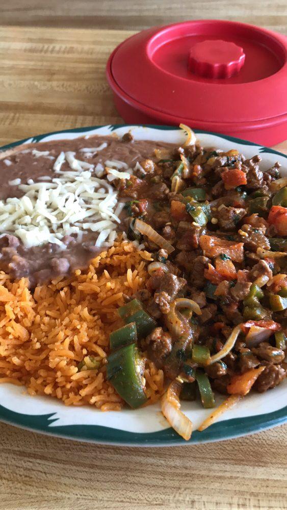 Antojitos Mexicanos El Barbas: 601 E 4th Ave, Hutchinson, KS