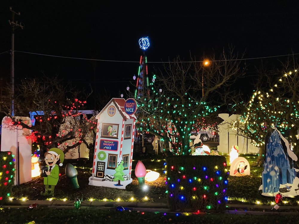 Mattos Orchard Lights: 1545 Stone Creek Dr, San Jose, CA