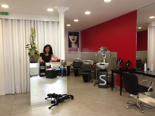 Le Salon de Coiffure - Hair Salons - 34 avenue Parmentier, Chemin ...