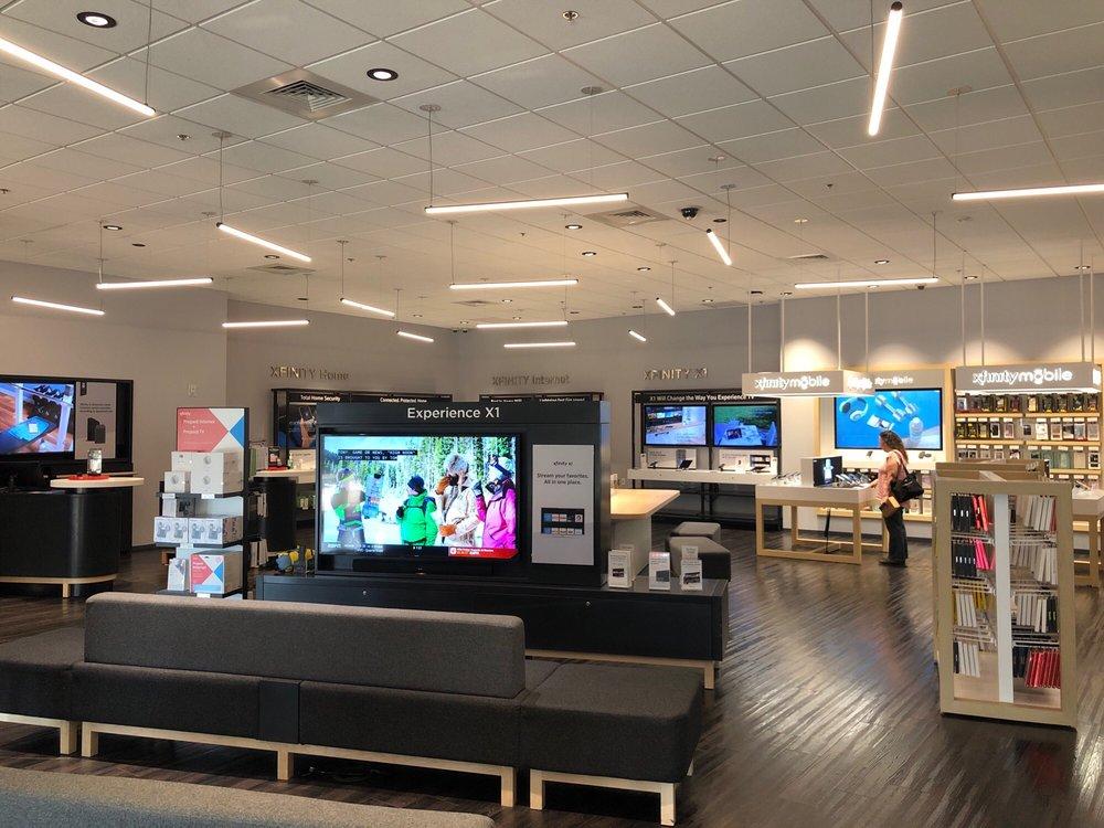 Xfinity Store by Comcast - 21 Reviews - Internet Service