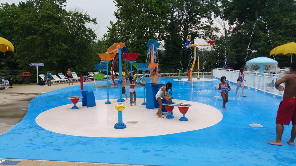 Great Waves Waterpark: 4001 Eisenhower Ave, Alexandria, VA