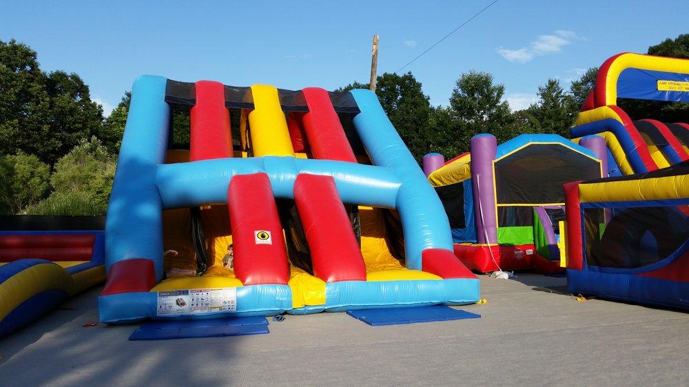Jump Around Fun Center: 1830 N Lakeshore Dr, Ludington, MI