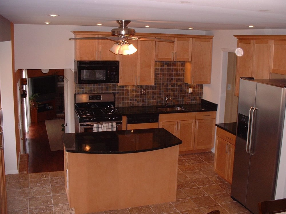 Complete kitchens: Maple cabinets, Limestone floor, slate ... on Kitchen Backsplash With Maple Cabinets  id=70927