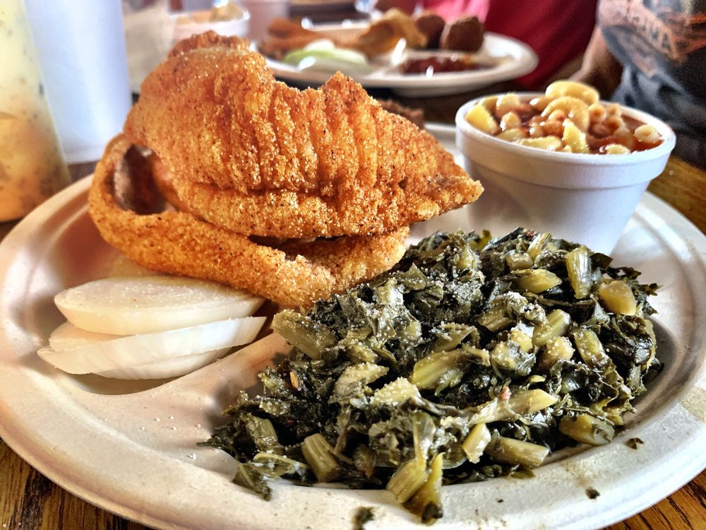 Delta Blues Fish House: 777 East 3rd St, Caruthersville , MO