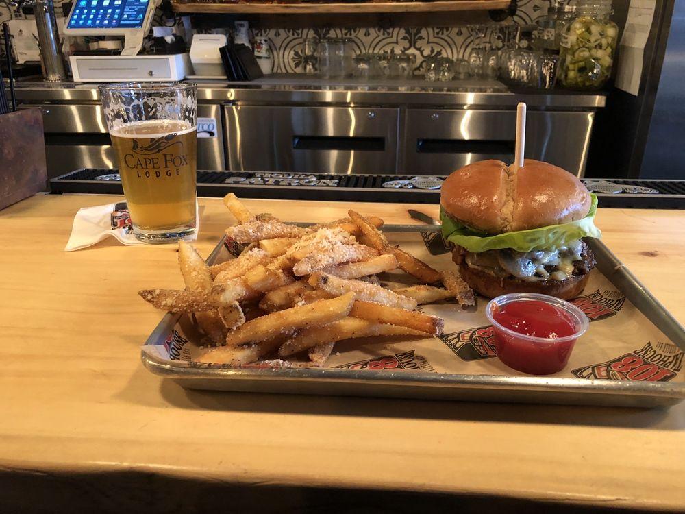 108 Taphouse & Burger Bar: 108 Main St, Ketchikan, AK