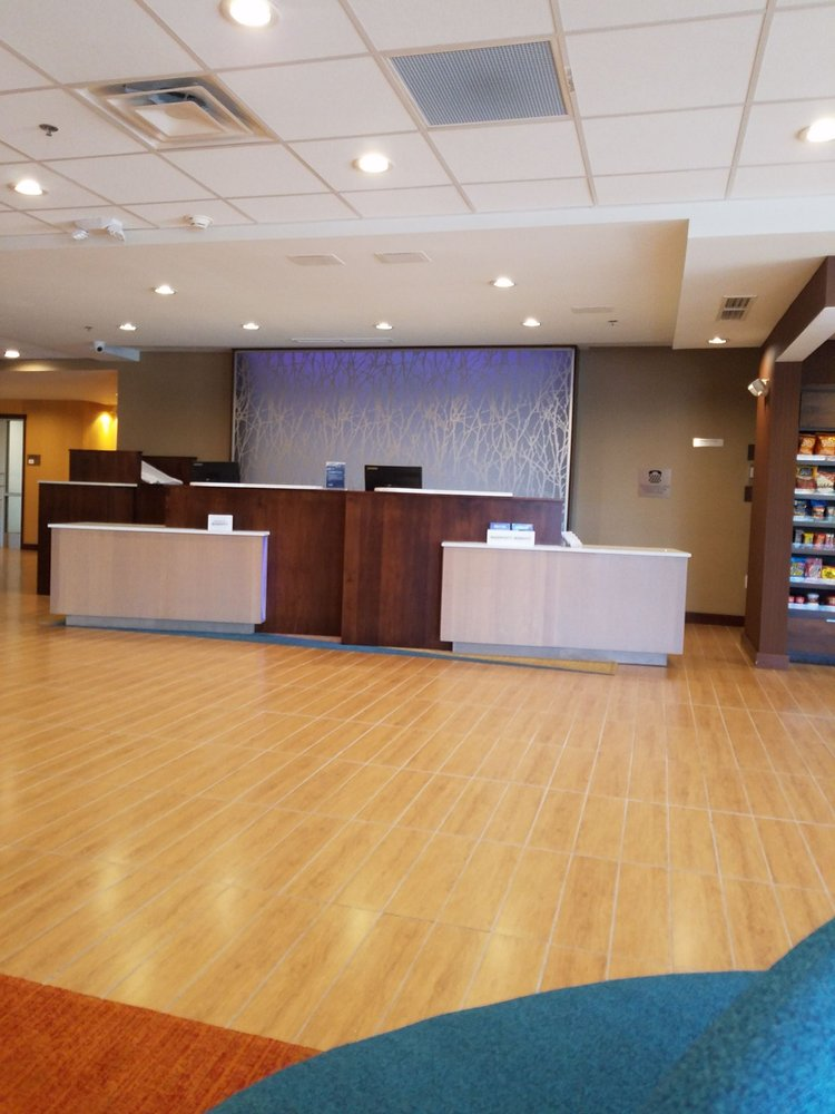 Fairfield Inn & Suites: 2400 E 64th St, Anderson, IN