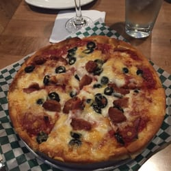 Romeo's has 5 restaurant locations on Vancouver Island - 3 in Victoria (downtown, Broadmead and Hillside), 1 in Langford and 1 in Duncan. You'll love Romeo's award-winning pizzas and pastas. Romeo's is the perfect place to watch your favourite sports teams compete, with each restaurant equipped with large plasma televisions.4/ TripAdvisor reviews.