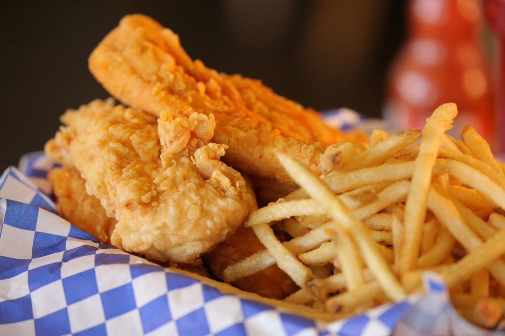 The Chicken Shack: 913 W Lacey Blvd, Hanford, CA