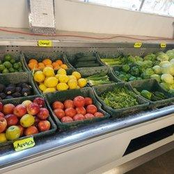 San's Liquor & Market - 7911 S Van Ness Ave, Inglewood, CA - 2019